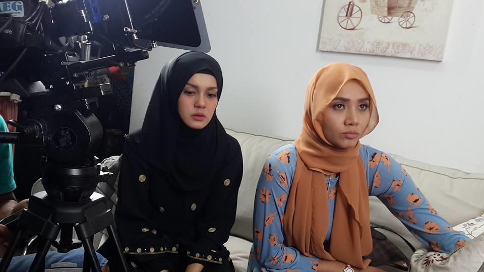 watak utama Uqasha Senrose dan Siti Elizad