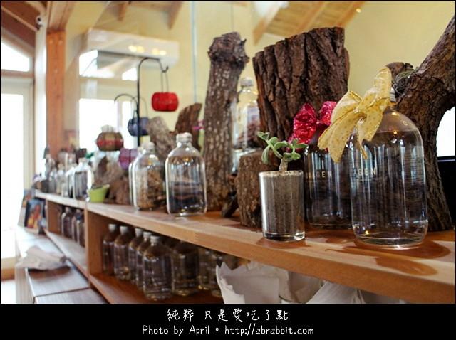 16803336418 37493eabc3 z - [台中]蝴蝶橋甜點美食莊園Cuisine--小木屋裡頭的甜點好誘人@北屯區 (已歇業)
