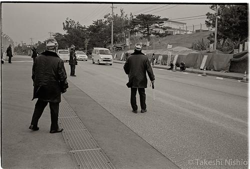 交通整理員 / traffic controllers