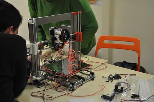 Taller de montaje de una impresora 3D Prusa i3 Pro Edition