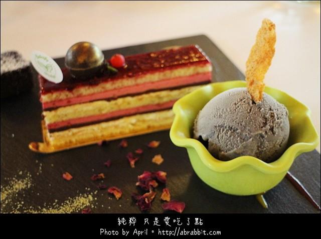 16803335428 cf396be0fa z - [台中]蝴蝶橋甜點美食莊園Cuisine--小木屋裡頭的甜點好誘人@北屯區 (已歇業)