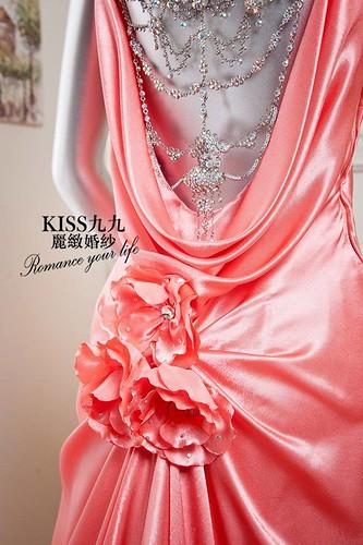 拍照婚紗和宴客禮服怎麼選?讓高雄kiss99婚紗告訴你:拍攝用禮服 (1)