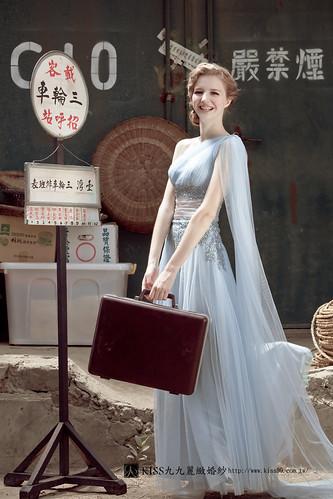 拍照婚紗和宴客禮服怎麼選?讓高雄kiss99婚紗告訴你:拍攝用禮服 (22)