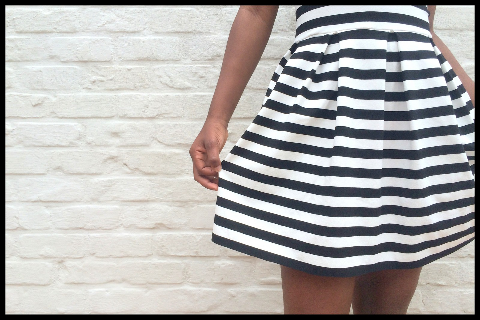 striped teenage dress (close)