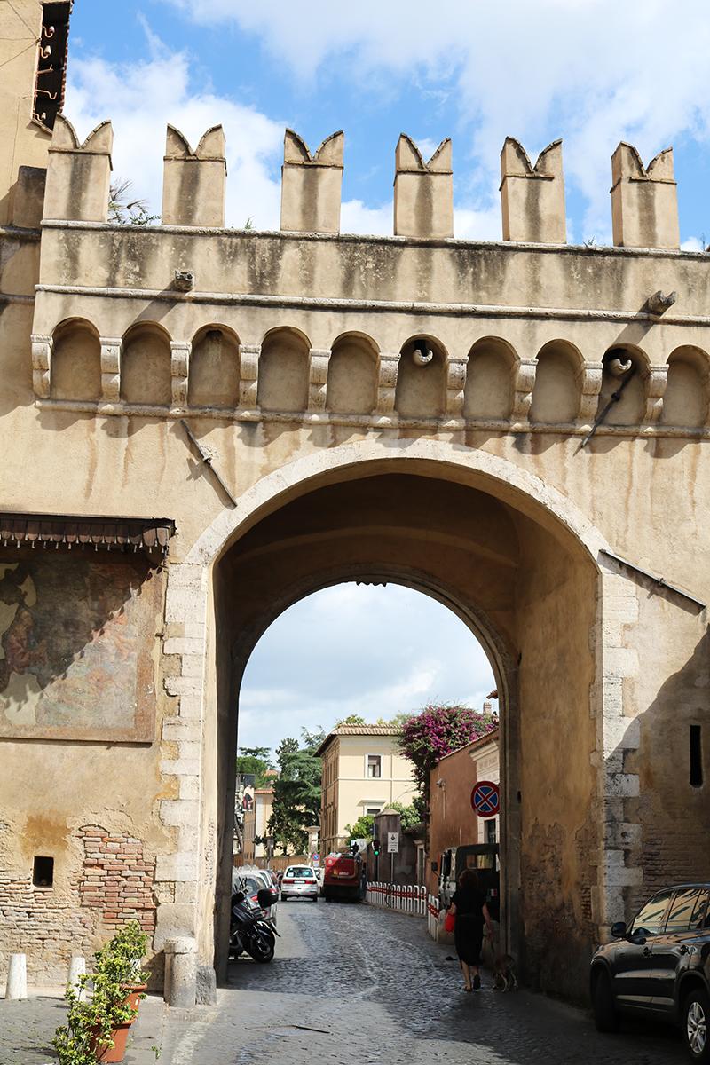 Rome 84 - Adora Mehitabel