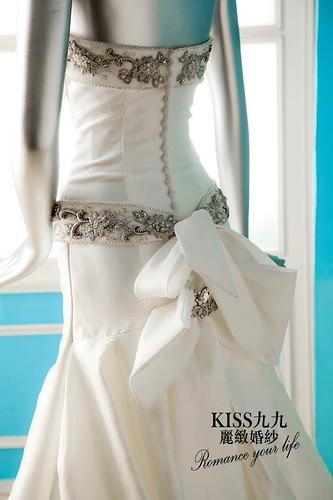拍照婚紗和宴客禮服怎麼選?讓高雄kiss99婚紗告訴你:拍攝用禮服 (20)