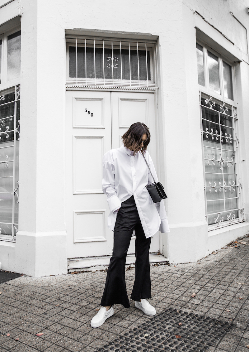 FARFETCH x MODERN LEGACY statement shirt overlong sleeves Ellery cropped flare Celine sneakers Gucci Dionysus bag black fashion blogger monochrome minimal street style (2 of 11)