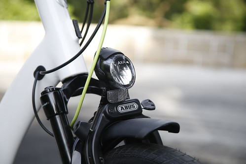 成為陽光型男,我就從Klever E-bike開始 (5)_前車燈