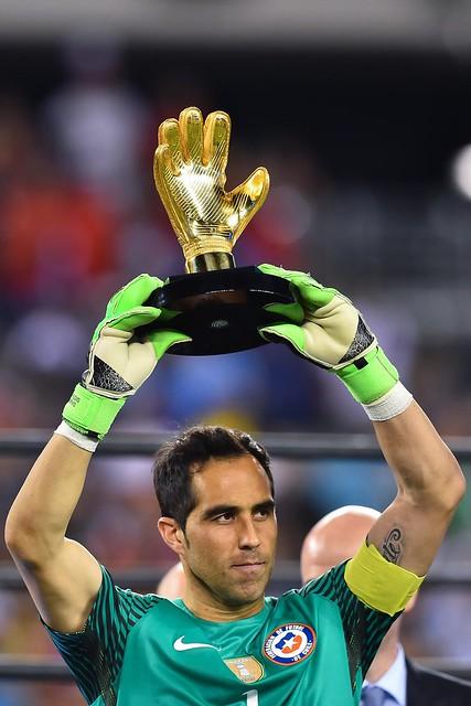 Copa América Centenario: Claudio Bravo Golden Glove
