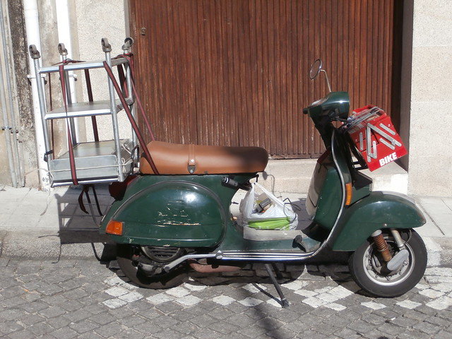 vespa carries tools
