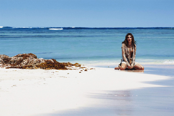 Alyssa Miller Elle Spain May 2015