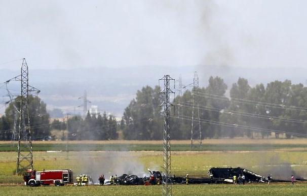 Se estrella avión de transporte militar en España; al menos tres muertos