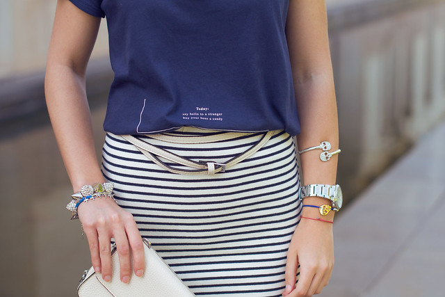 Cómo combinar una falda de rayas