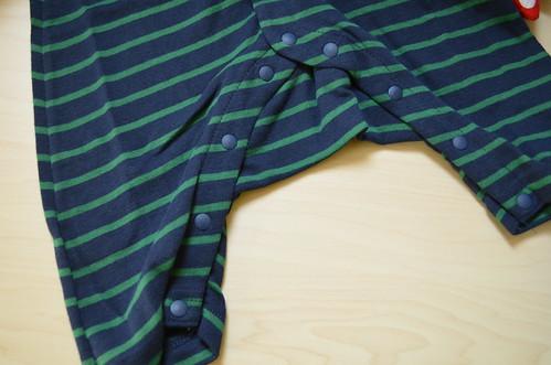 カエル コンビ ベルメゾンのベビー服