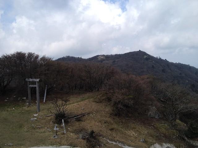 釈迦ヶ岳 県境稜線 八風峠より三池岳