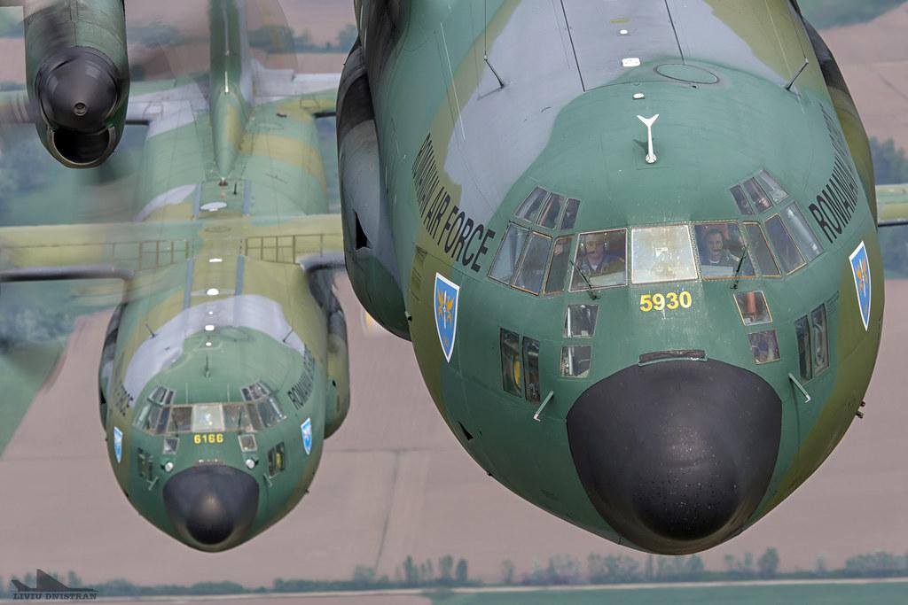 RoAF C130 Hercules in zbor 17376165769_6fc43fa110_b
