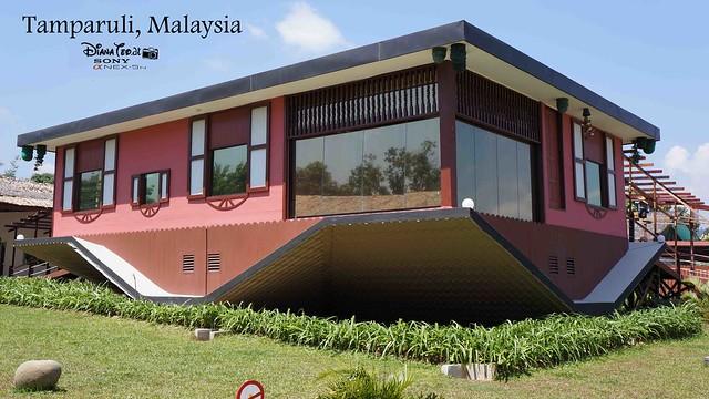 Sabah - Tamparuli Rumah Terbalik Upside Down House