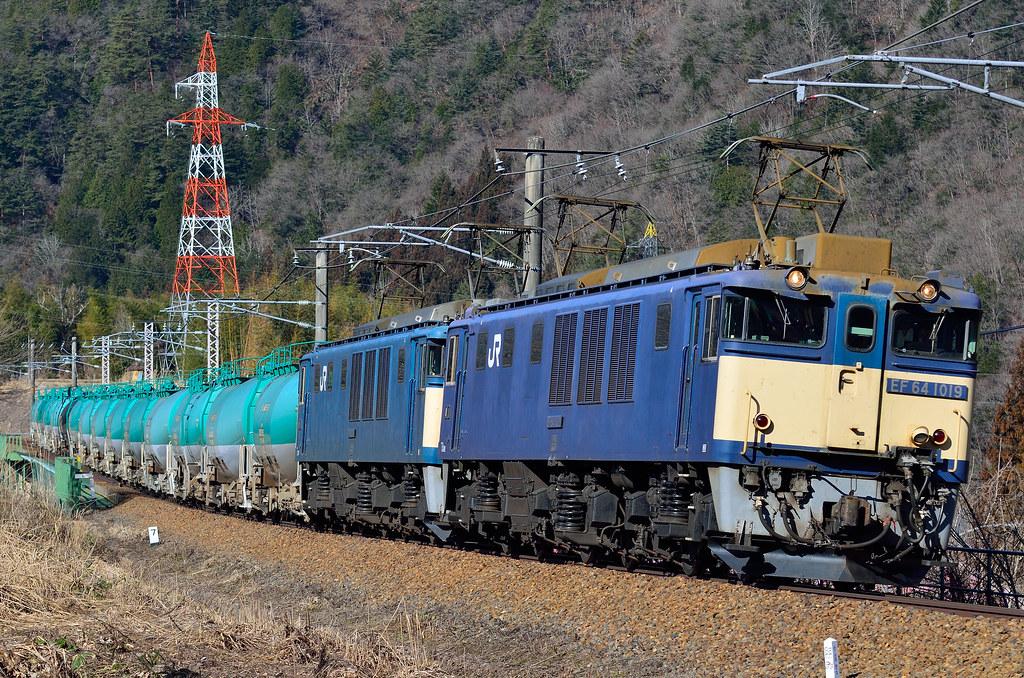 6883レ/EF64 1019+EF64 1016+タキ