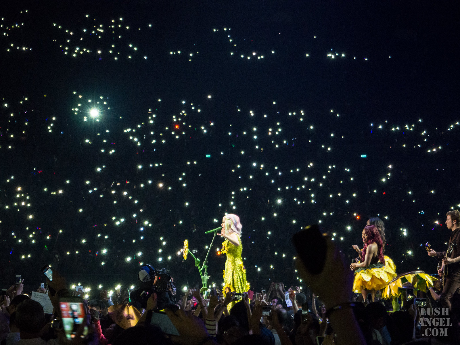 katy-perry-concert-unconditionally