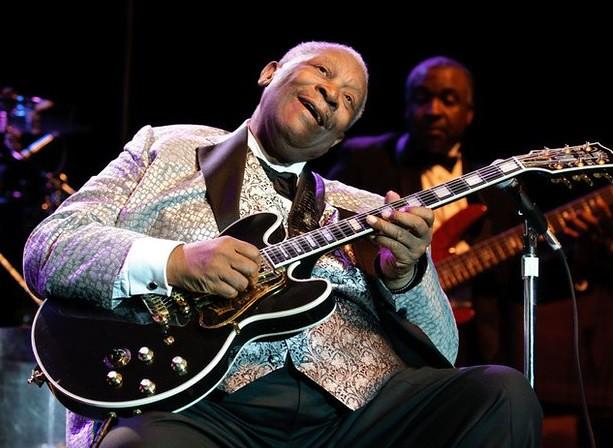 """Personalidades despiden al """"rey del blues"""""""