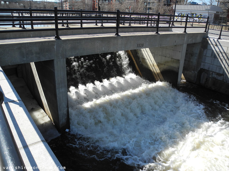 Lachine canal waterfalls 2