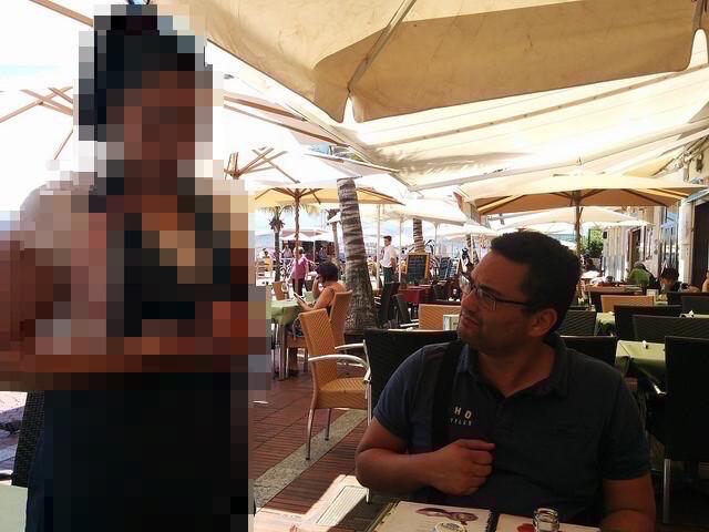 Las Palmas | La Oliva Restaurante | Ariel ordenando comida