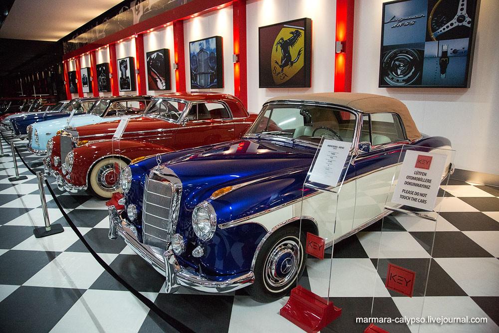 198-Mercedes-Benz-220-S-1959