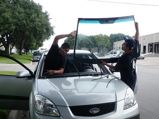 Removal of Broken Kia Windshield