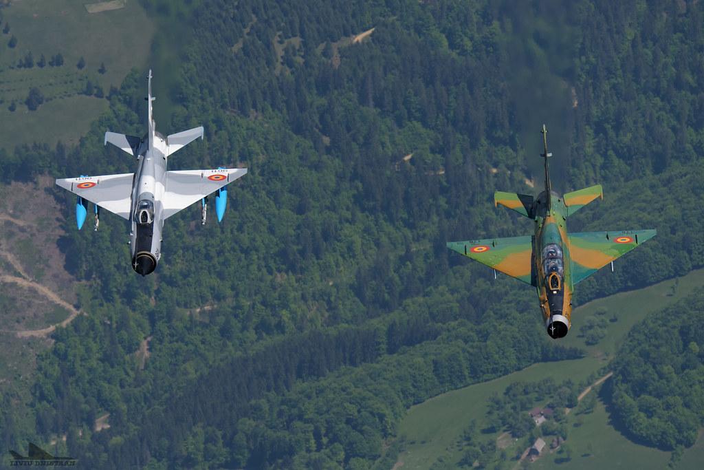 RoAF MiG-21 si FAP F-16 in zbor 18128865171_7bc08f59b5_b