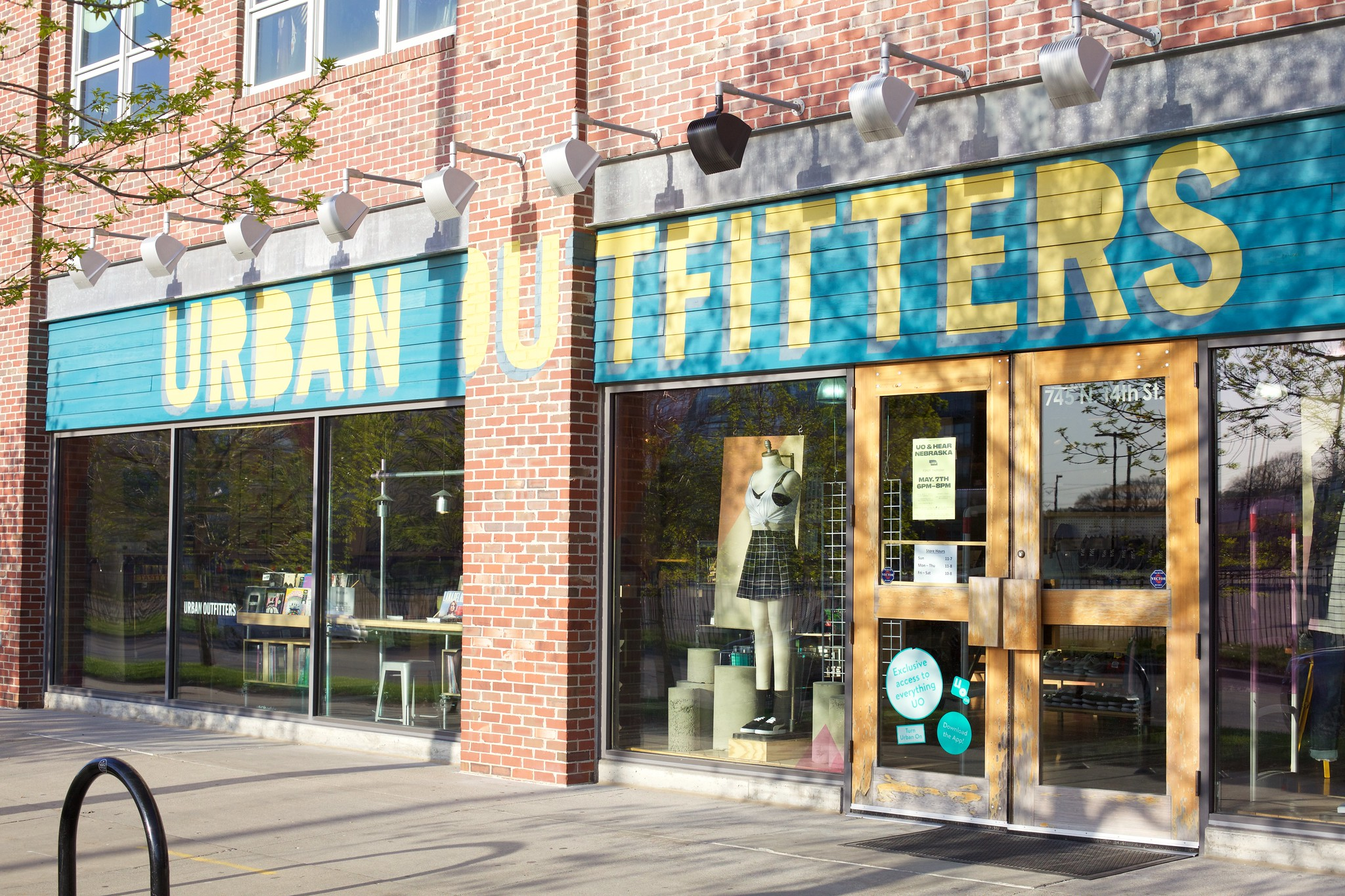 Urban Outfitters: Burger Records