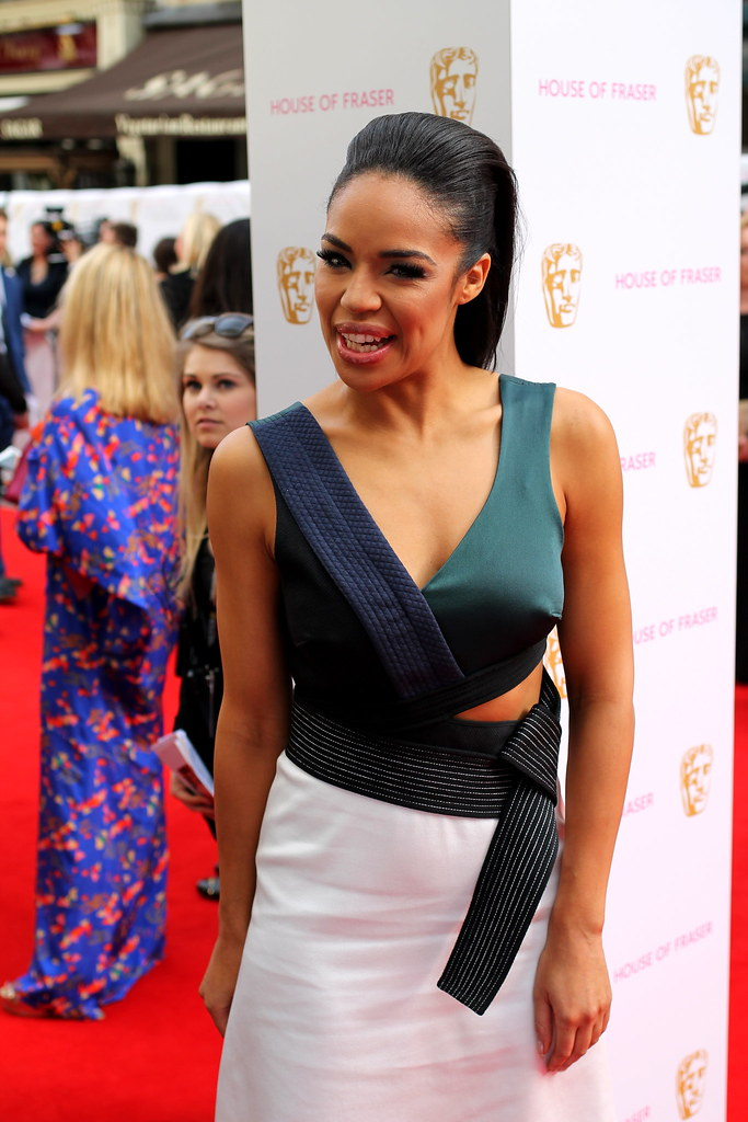 BAFTA Red Carpet 2015 (41)