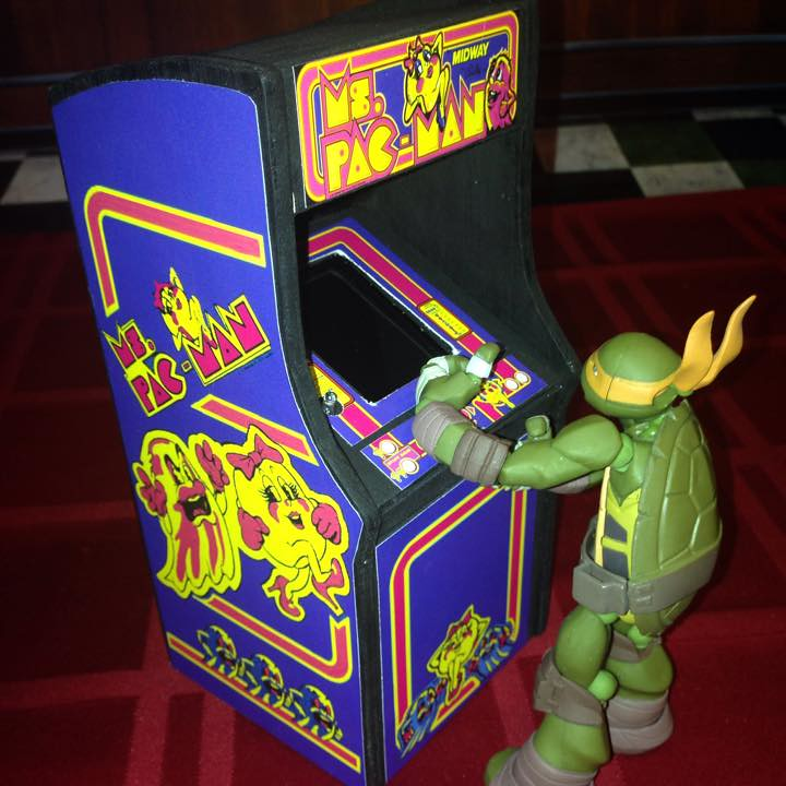 Minicades Miniature Arcade Cabinets by Damian Partida
