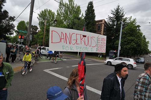 Protest on SE Powell-2.jpg