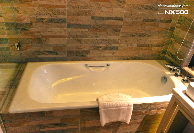 riverview hotel taipei bathtub