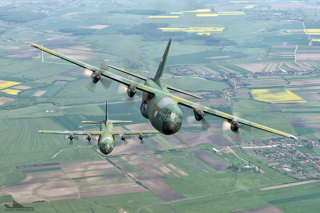 RoAF C130 Hercules in zbor 17562409161_9cd0a36431_b