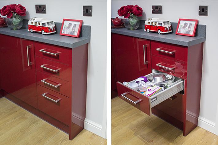 red_kitchen_interior_design
