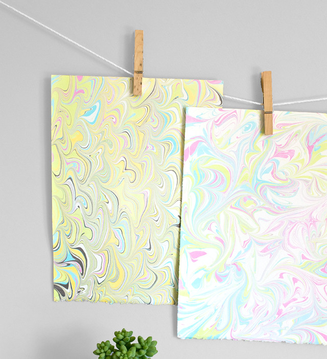 DIY Marbled Paper and Fabric | click through for the tutorial!