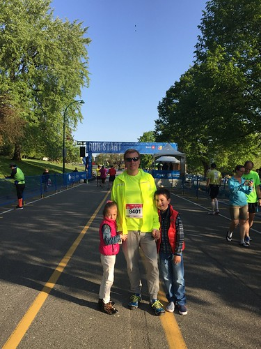 With Scott and Elaine in the start corral of the Vancouver Marathon