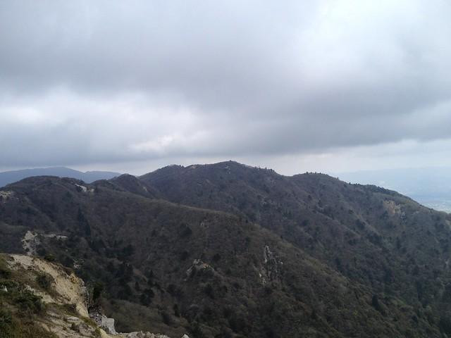 釈迦ヶ岳 県境稜線より三池岳