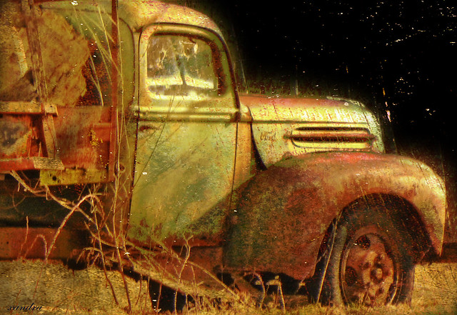 -- rusted Ford --