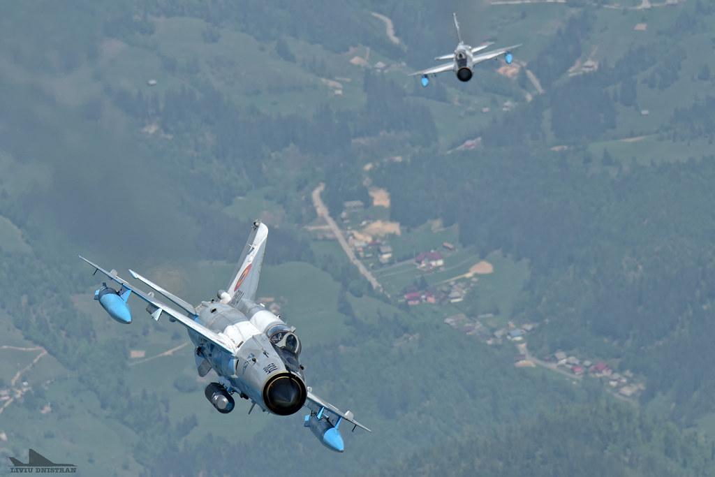 RoAF MiG-21 si FAP F-16 in zbor 17505214394_1a9b73931b_b