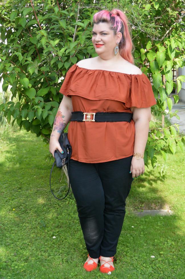 Outfit nero e arancio (9)