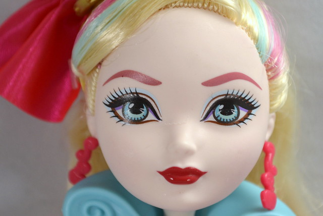 Way Too Wonderland ~ Apple White Doll Review Photos