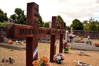 Tombes au cimetière de St Jacques de la lande