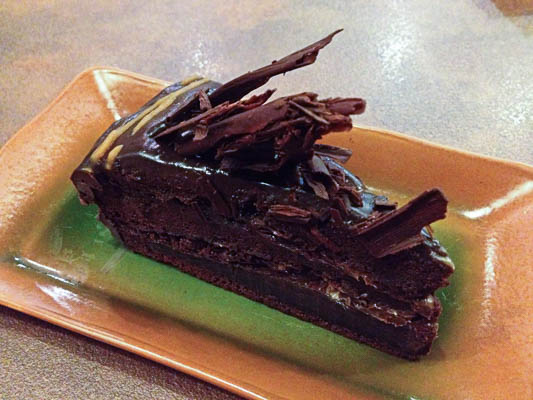fahrenheit-600-restaurant-chocolate-cake