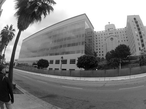 09.52.00 Walk On Wilshire