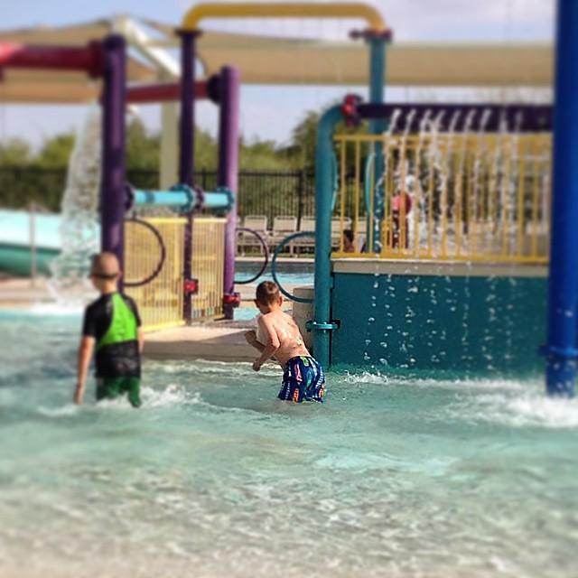 #pool #funfriday #freezing