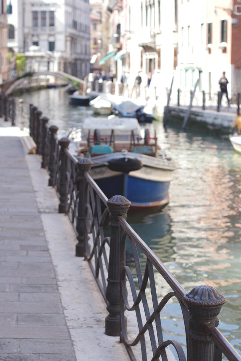 Visiting Venice, Bumpkin Betty
