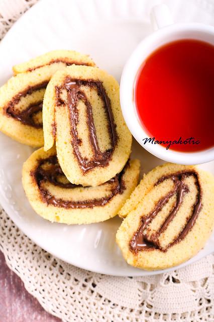 Chocolate, hazelnuts filling pinwheels