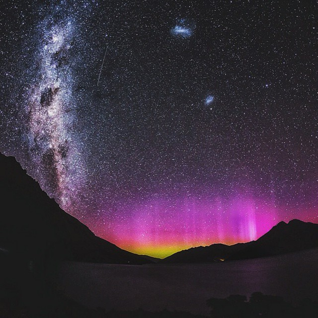 "Follow @BenLinero on Instagram and Twitter -------------------------------------------------- The ""Southern Lights"" over Queenstown, New Zealand courtesy of @stefan_haworth ━━━━━━━━━━━━━━━━━━━ All week long we will be featuring the country of New Zealand."